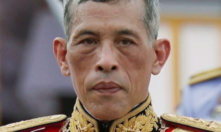 Rama X : Ses gardes de corps agressent un journaliste Allemand