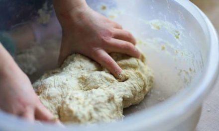 Confinement : face au succès du pain maison, la levure vaut de l'or