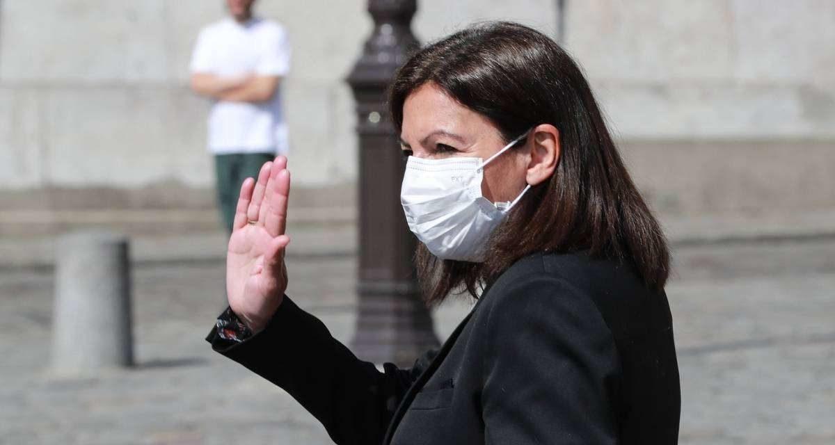 Paris : Le port du masque dans la rue est « absolument indispensable »