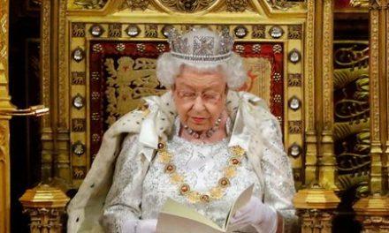 Le message historique de la reine Elizabeth II sur le coronavirus