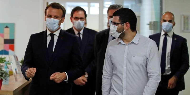 Emmanuel Macron face à la débrouille des soigants de Seine-Saint Denis