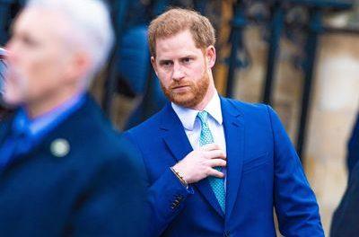 Le Prince Harry: a toujours voulu éloigner son Fils de la Famille Royale