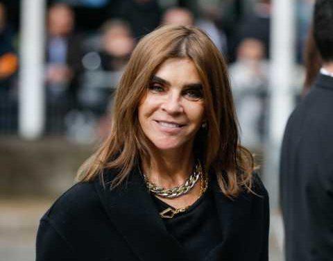 Carine Roitfeld en partenariat avec l'amfAR, réunit les plus grands acteurs de l'industrie de la mode pour soutenir la lutte contre le COVID-19