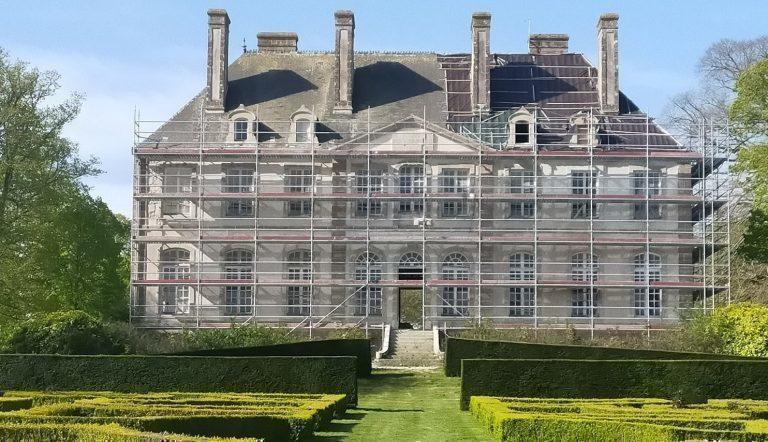 Les travaux du Château de Carneville stoppés pendant le confinement
