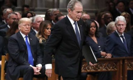 L'ancien président américain George W. Bush a appelé à une union nationale pendant la pandémie. Un discours qui n'a pas plu à Donald Trump