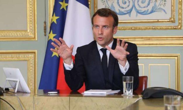 Macron évoque la levée des restrictions de voyage