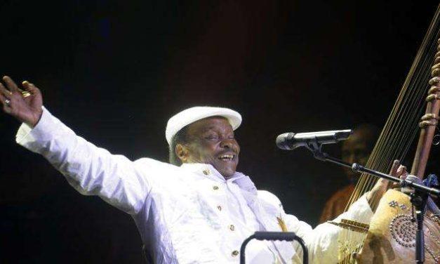 """Décès du chanteur guinéen Mory Kanté, connu pour son tube """"Yéké Yéké"""""""