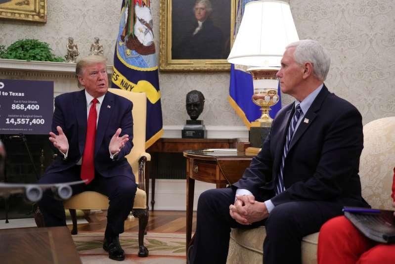Coronavirus à la maison blanche : Mike Pence va garder ses distances avec Trump