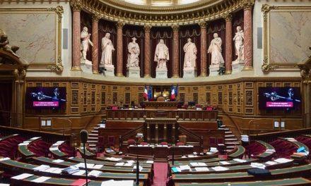 Déconfinement en France: le Sénat ne valide pas le plan du gouvernement