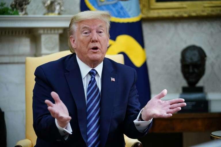 Donald Trump gracie son ancien conseiller Michael Flynn impliqué  dans l'enquête russe