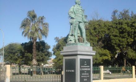 Sénégal: la mobilisation de la société civile  pour retirer les symboles du colonialisme