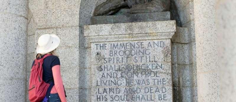 La Statue de Cecil Rhodes décapitée en Afrique du Sud