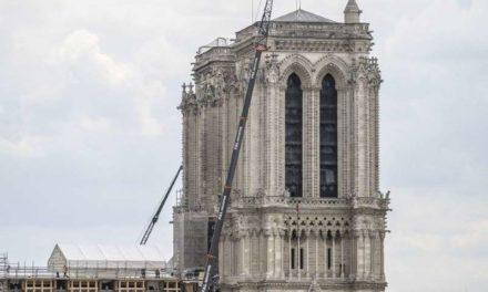 Large consensus sur une reconstruction de la fléche de Notre Dame à l' identique