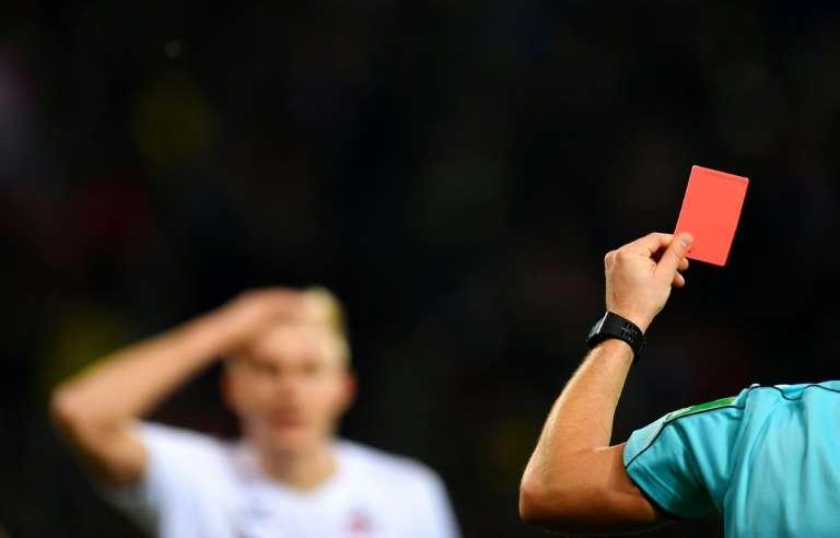 Foot : L'IFAB à décider de l'expulsion de  tout joueur  qui toussera volontairement lors de Match