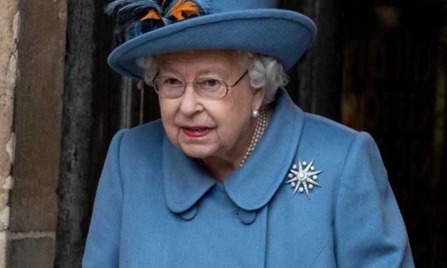 La Reine Elizabeth II attristée