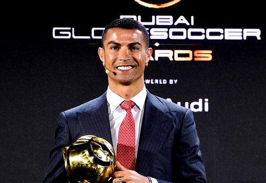 "Cristiano Ronaldo élu ""Joueur du siècle"""