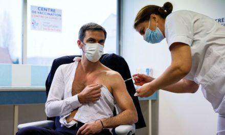 Olivier Véran menace de rendre la vaccination obligatoire pour les soignants