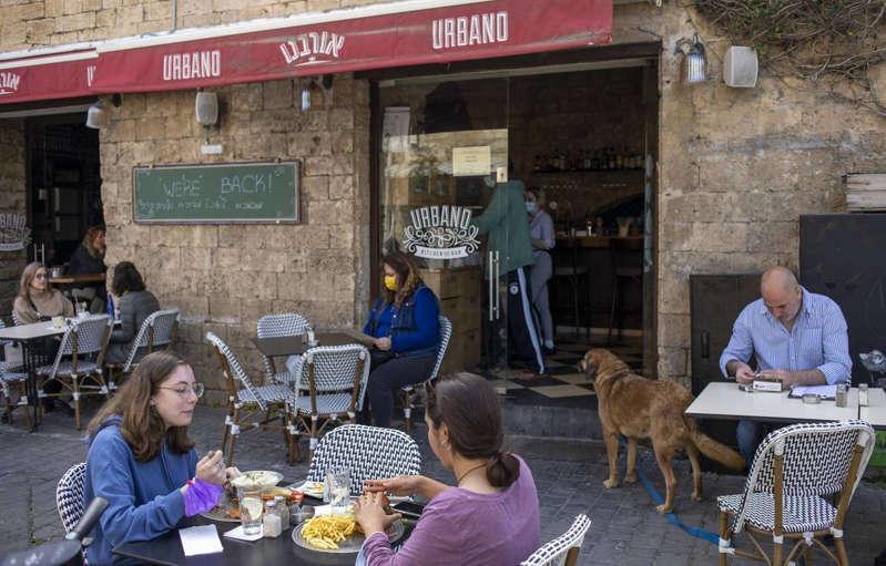 Covid-19 : Israël lève l'obligation du port de masque