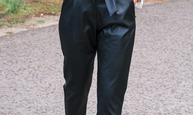Le Pantalon en cuir la tendance automne de la rentrée
