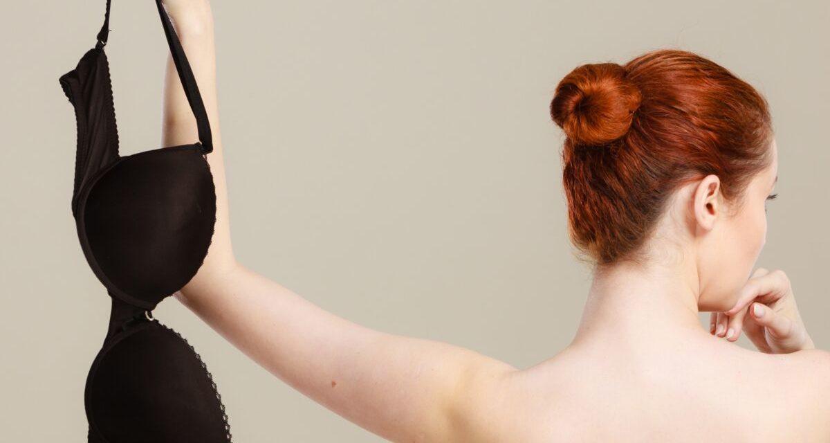 Arrêter de porter le soutien gorge: est-ce une bonne ou  une mauvaise idée